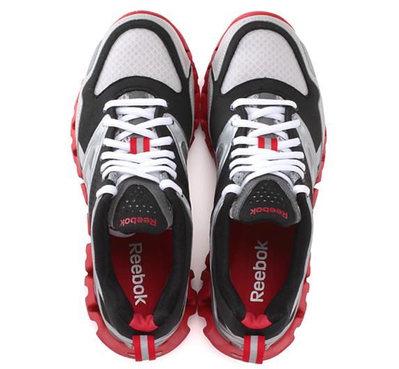 Reebok ZIGRETURN XT リーボック ジグリターン XT(SILVER/BLACK/WHITE/EXCELLENT RED)
